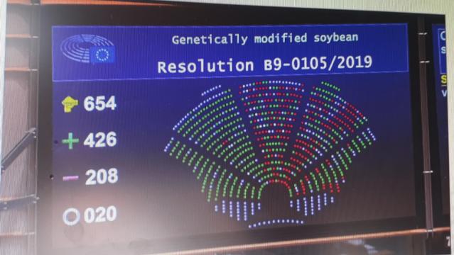 EP: ne jöjjenek Európába a génpiszkált növények!