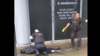Több embert megkéselt egy férfi egy manchesteri bevásárlóközpontban