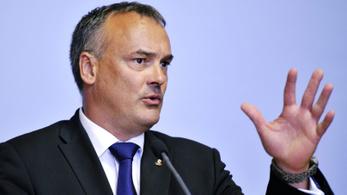Borkai lemondását követelte a kormánypárti Magyar Nemzet, egy órán belül levették a cikket