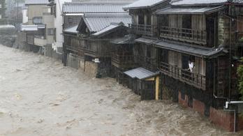Még el sem érte Japánt a brutális tájfun, de már most van halálos áldozata