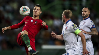 Szenzációs Ronaldo emelése, hát még a labdaszerzése