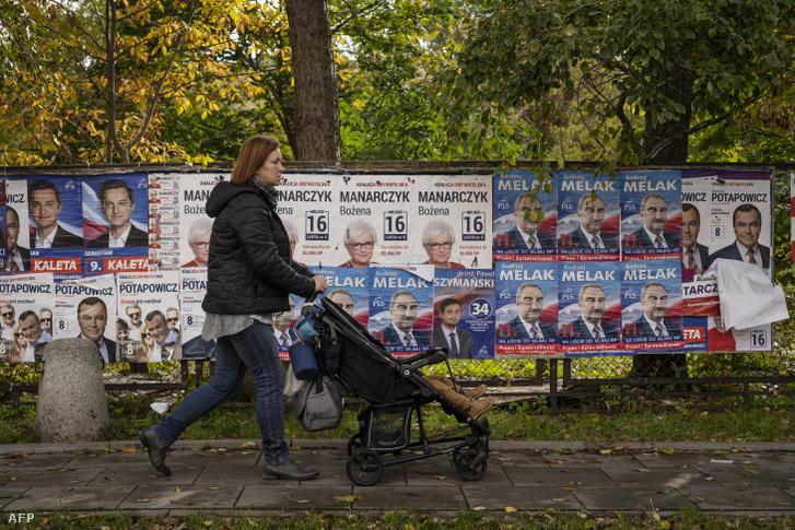 Választási plakátok Varsóban 2019. október 9-én