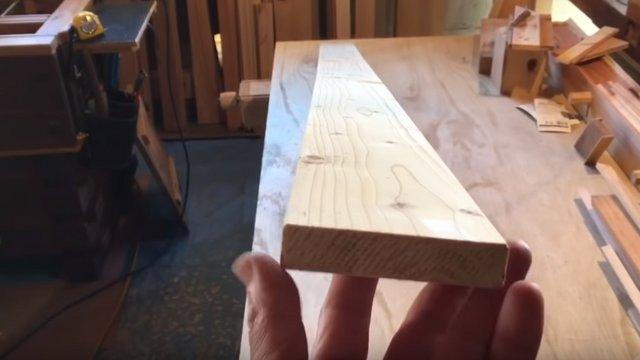 Csavarodott faanyag kiegyenesítése