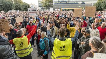 A teljes ellenzék tüntetett Győrben a Borkai-ügy miatt