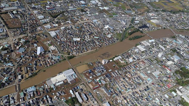 Japán szupertájfun: egy nap alatt annyi eső, mint nálunk két évben
