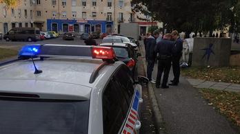 Az ATV riporterét megverték, a Jobbik politikusát lökdösték Pécsen