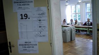 24.hu: Tizenöt-húsz választókerület vezetőjét cserélheti le Orbán