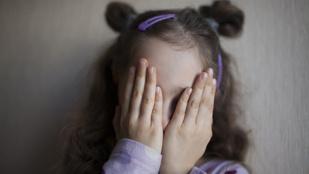 Mitől lesz szégyenlős a gyerek?