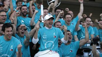 A Mercedes Laudának ajánlja a rekord-vb-t