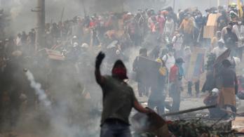 Egyre durvább a tüntetés Ecuadorban, a hadsereg védi a fővárost