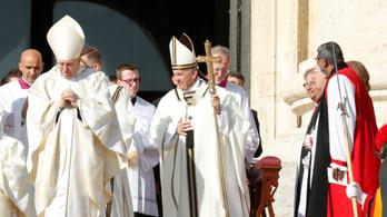 Öt új szentet avatott Ferenc pápa