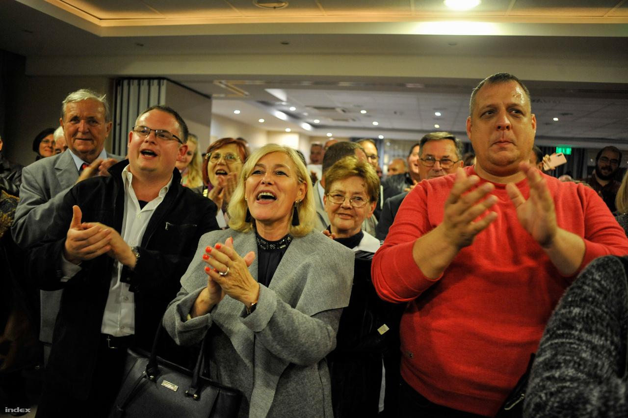 Az ellenzéki Veres Pál lett Miskolc új polgármestere, Kriza Ákos után nem a Fidesz vezeti a BAZ-megyei várost a következő ciklusban. Kriza helyett a Fidesz Alakszai Zoltánt indította, azonban az ő személye kevésnek bizonyult. Veres a győzelmi beszédében azt mondta, hogy integrált városvezető szeretne lenni, és pártpolitikától függetlenül együttműködik mindenkivel, aki a városért tenni akar.