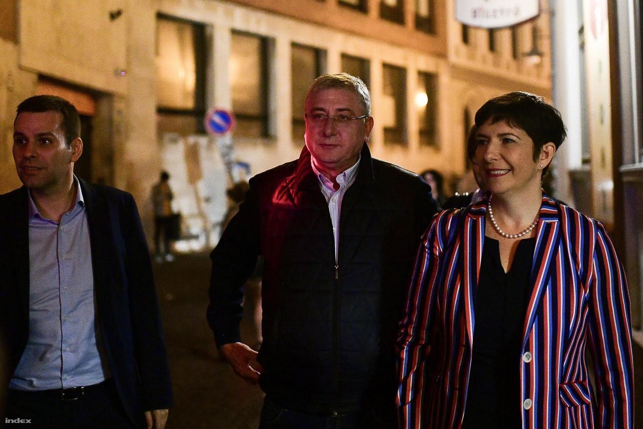 Dobrev Klára, és mosolygós partnere, Gyurcsány Ferenc is részt vett Karácsony Gergely eredményváró rendezvényén.