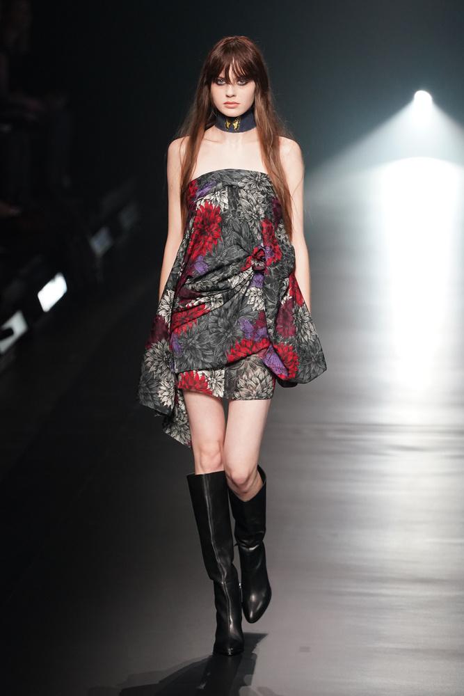 Na jó, azért voltak picit merészebb (mármint a japán kultúrához viszonyítva merészebb) ruhadarabok is.