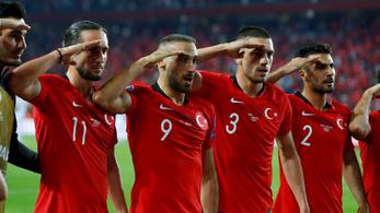 Vizsgálja az UEFA a török futballisták gólörömét