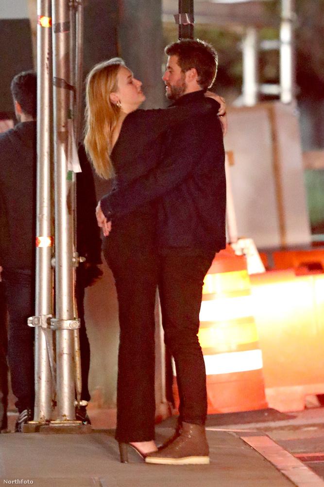 A pár össze is ölelkezett a nyílt utcán, így nem kérdés, hogy a kapcsolat hivatalosnak tekinthető.