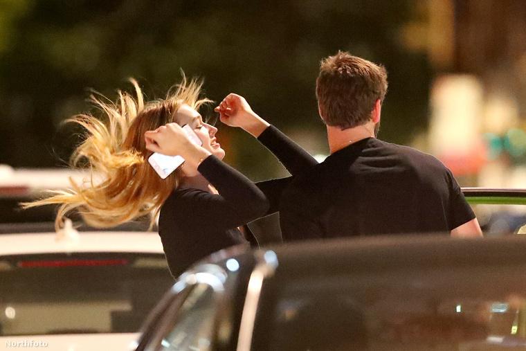 Madison Brown hátra is dobja a haját, majd csábosan mosolyogva jelzi, hogy igen, most már ő Liam Hemsworth barátnője.