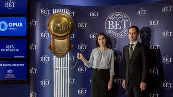 Bezuhantak Mészáros részvényei a választás után, 13 milliárdot bukott pár perc alatt