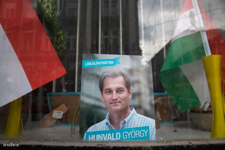 Hunvald kampányirodájának ablaka