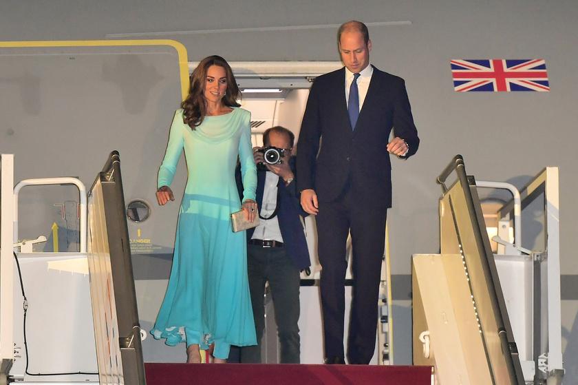 Katalin hercegné ismét remekül választott: egy igazán sikkes, de ízléses és visszafogott darabban érkezett az országba.