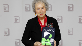 Nem bírt dönteni a zsűri, két írónak adták az idei Booker-díjat