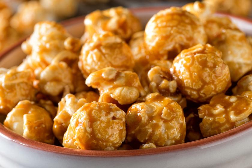 Házi karamellás popcorn: édesen is nagyon finom a ropogtatnivaló