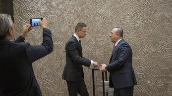 Szijjártó egyetért Erdoğan szíriai beavatkozásával
