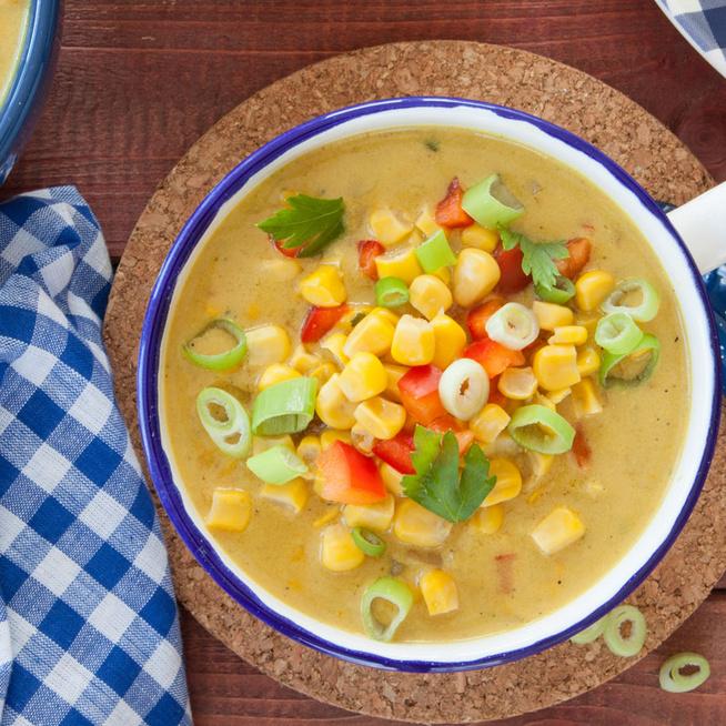 Tejszínes kukoricaleves zöldségekkel gazdagítva: laktató, melengető finomság
