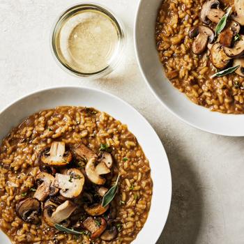 Selymes, tejszínes gombás rizottó fehérborral, hagymával - Főfogásnak is beillik