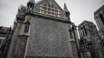 Csernobil mintájára készül sorozat a Notre-Dame leégéséről
