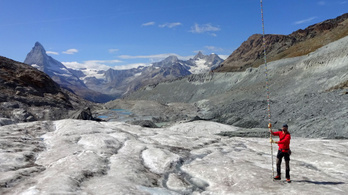 Öt év alatt ötödükkel zsugorodtak a svájci gleccserek