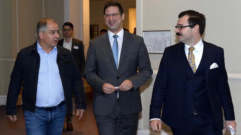 Új politikai korszakot hirdetett a fideszes holdudvar