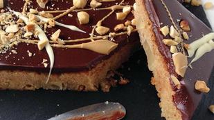 Íme a brownie inverze, a csokis sütik negatívja: Körtés blondie kétféle csokival