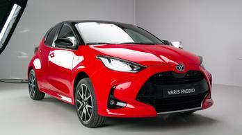 Toyota kisautó érkezik a Mazda kínálatba