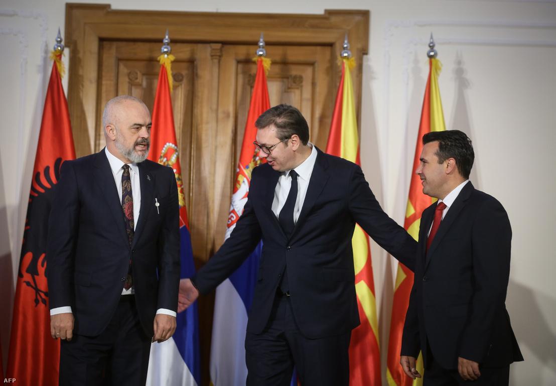 Edi Ram albán, Aleksandar Vučić szerb, és Zoran Zaev észak-macedón miniszterelnök a találkozón