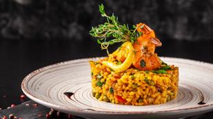 A spanyolok gyúrós kajája: garnélás-csirkés paella