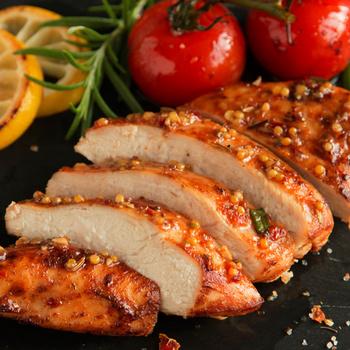 Puha, omlós csirkemell mézes-mustáros szószban: így biztosan nem szárad ki