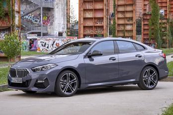 Meglepetés: leleplezték a BMW legkisebb sportszedánját