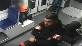 Úgy raboltak ki egy fiút a 4-6-os villamoson, hogy senki nem vette észre