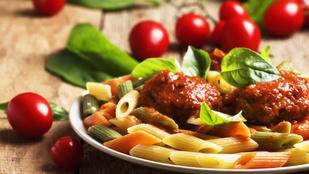Menő a húsevők előtt is: Olasz penne paradicsommal és vegán húsgolyókkal