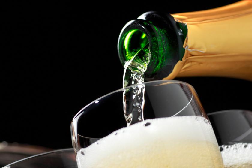 Koccintsunk Champagne-nal a champagne-ra - Október 18-án ismét megünnepeljük a habzó italt