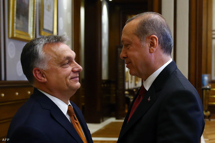 Turkey's President Recep Tayyip Erdogan (R) embraces Hungarian Prime Minister Viktor Orbán shortly before their talks in Ankara on June 30 2017.