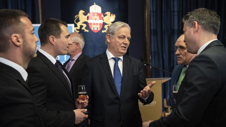 A vesztes fideszes polgármesterek egyéniben is leszerepeltek