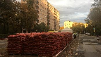 44 tonna rejtélyes nyugdíjaskrumpli érkezett Óbudára