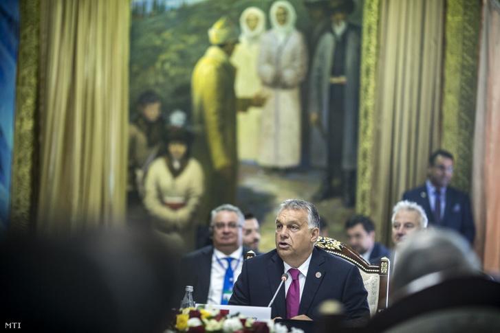 Orbán Viktor miniszterelnök felszólal a türk nyelvű államok együttműködési tanácsának VI. ülésén a kirgizisztáni Csolpon-Atában 2018. szeptember 3-án.
