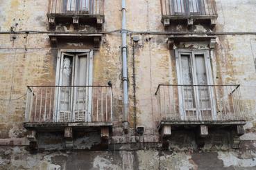 Az óvárosi házak többsége évtizedek óta elhagyatott