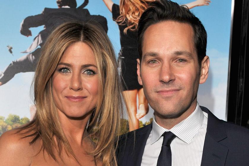 A népszerű színész kínos dolgot művelt Jennifer Anistonnal a forgatáson - Majdnem kirúgták ezért