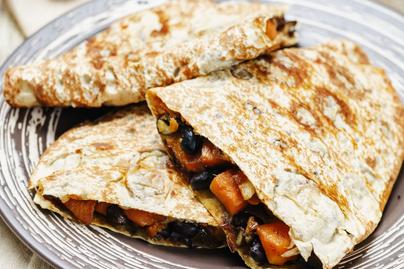 Villámgyors, laktató édeskrumplis quesadilla: húsmentes finomság