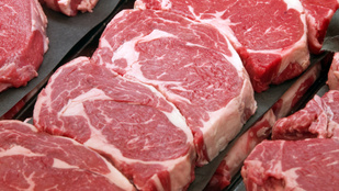 Újabb ok a vörös húsok fogyasztása ellen