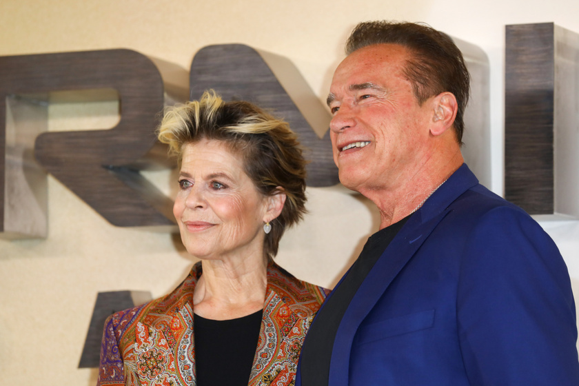 Arnold Schwarzenegger szájon csókolta Linda Hamiltont a premieren